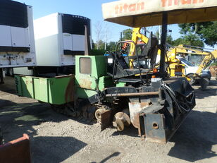 TITAN 111 crawler asphalt paver